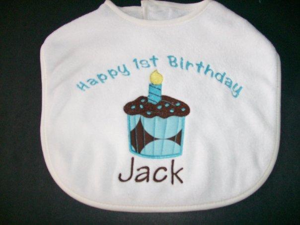 Happy Birthday Cupcake Bib